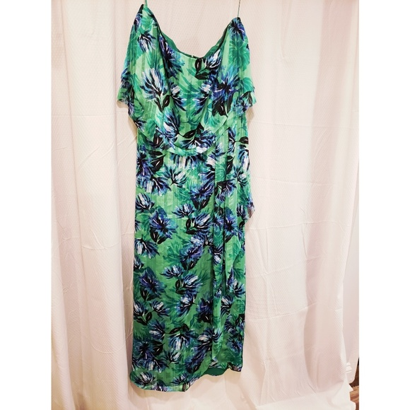 Banana Republic Dresses & Skirts - NWOT Banana Republic Floral Tiered Flounce Dress